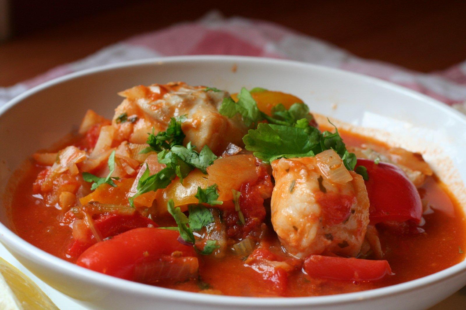 Mediterranean fish stew culinarygypsy for Fish soup recipe cod